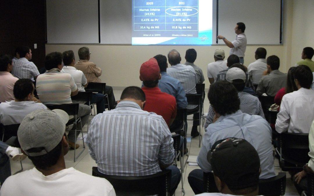 3º etapa da Escola de Pecuária Intensiva da Assocon leva treinamento para produtores rurais de Iaciara (GO), nos dias 28 e 29 de maio