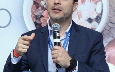 Conectividade é um dos desafios para implantar tecnologias disruptivas em granjas, aponta Leonardo Vega em webinar da Phibro